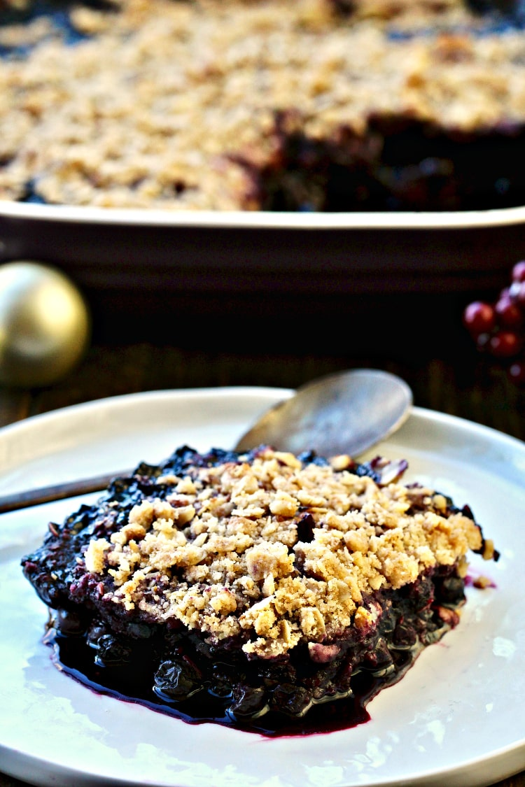 Blueberry Walnut Crumble