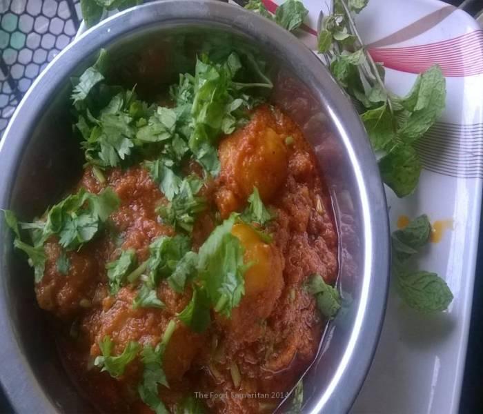 Aloo Dum(Aloor Dom) – Baby Potatoes in a thick gravy