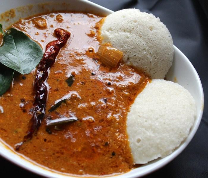 Vengaya Sambar (Sambar with Onions)