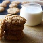 Classic Crisp Oat Cookies