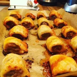 Picture showing end product of golden crispy sausage rolls