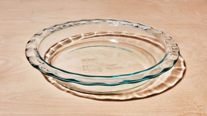 Pyrex Easy Grab Glass 9.5 Inch Pie Plate