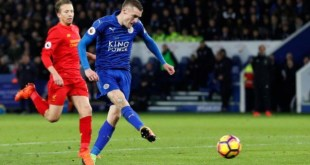 Jamie Vardy scores as Leicester City beat Liverpool in the Premier League