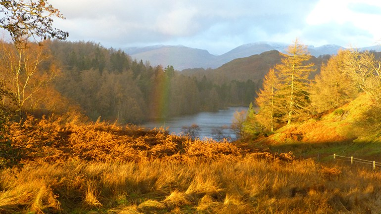 rainbow_over_tarn_hows