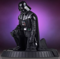 Darth Vader scale statue available for pre-order