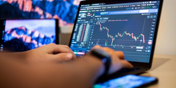 Ways on how to Make Money in Forex Without Actually Trading