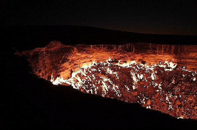 turkmenistan crater