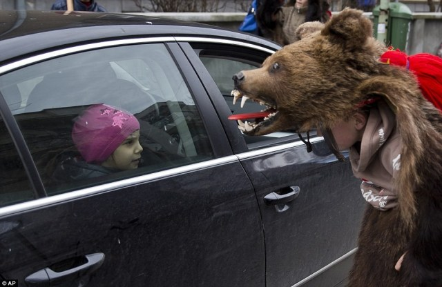 bear ursul festival strange