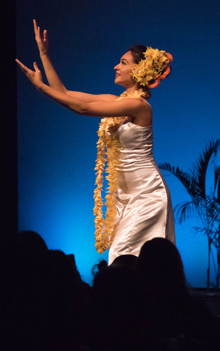 Royal Hawaiian Hotel Luau - Hula Dancer