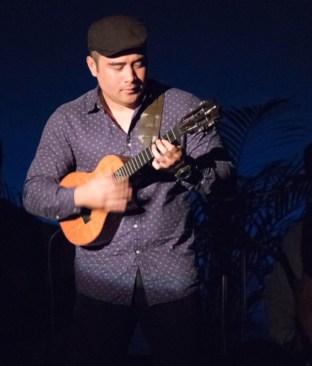 Royal Hawaiian Hotel Luau - World Renowned Ukulele Player