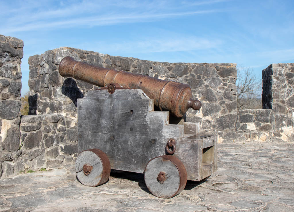 Presidio Cannon Within The Fortress