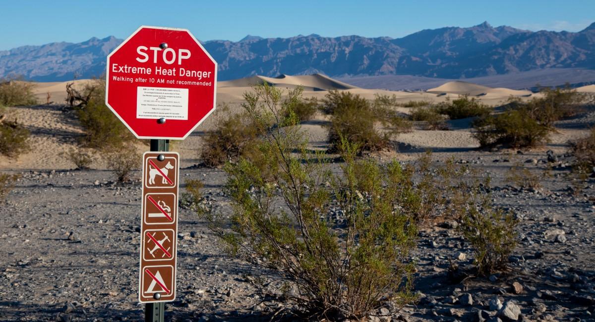 Extreme Heat Warning Sign