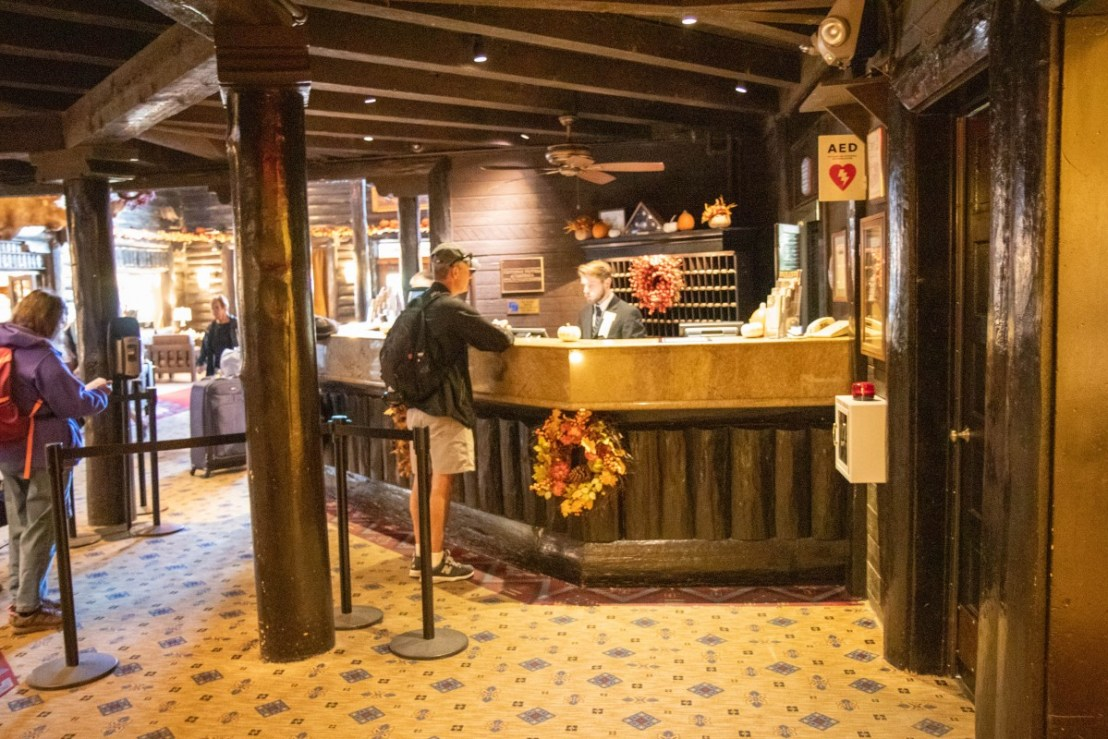 El Tovar Hotel Desk