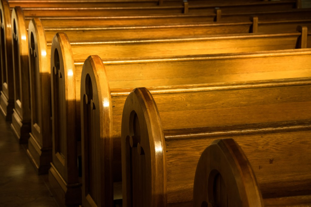 Church Pews, French Podcast