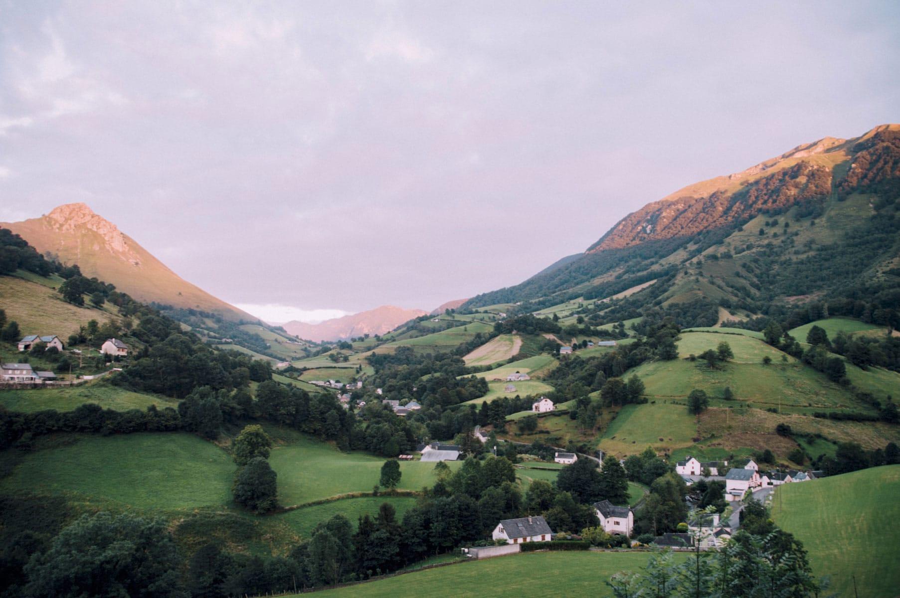Pyrénées coucher soleil arrette