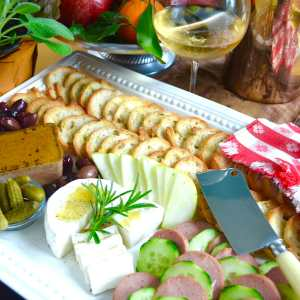 No cooking French hors d'oeuvre appetizer pupu platter