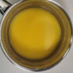 liquides et beurre fondu pour préparation de la panade