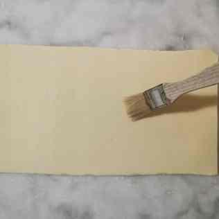 ôter la farine du pâton de feuilletage