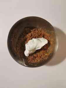 Détendre le mélange à biscuit coco