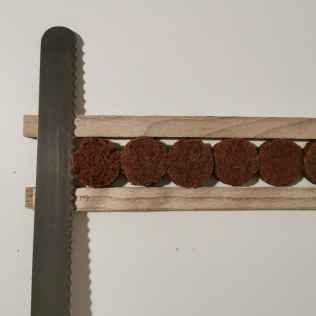 Biscuit chocolat taillé