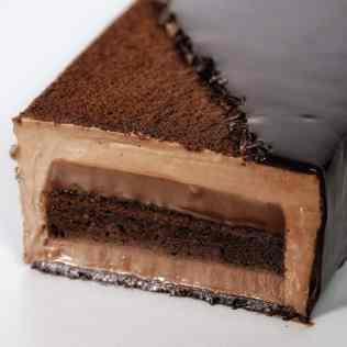 découpe bûche chocolat