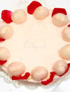 Lychee-Mousse-Cake