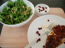 Spicy lamb with chickpea salad and minted yoghurt_1