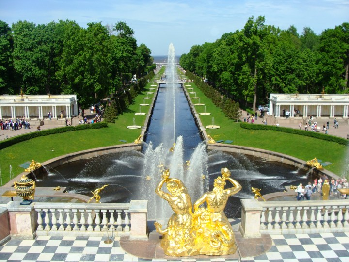 A 3-day discovery of St.Petersburg, Russia: Peterhof, Pelmeni and Swan Lake – Day 2