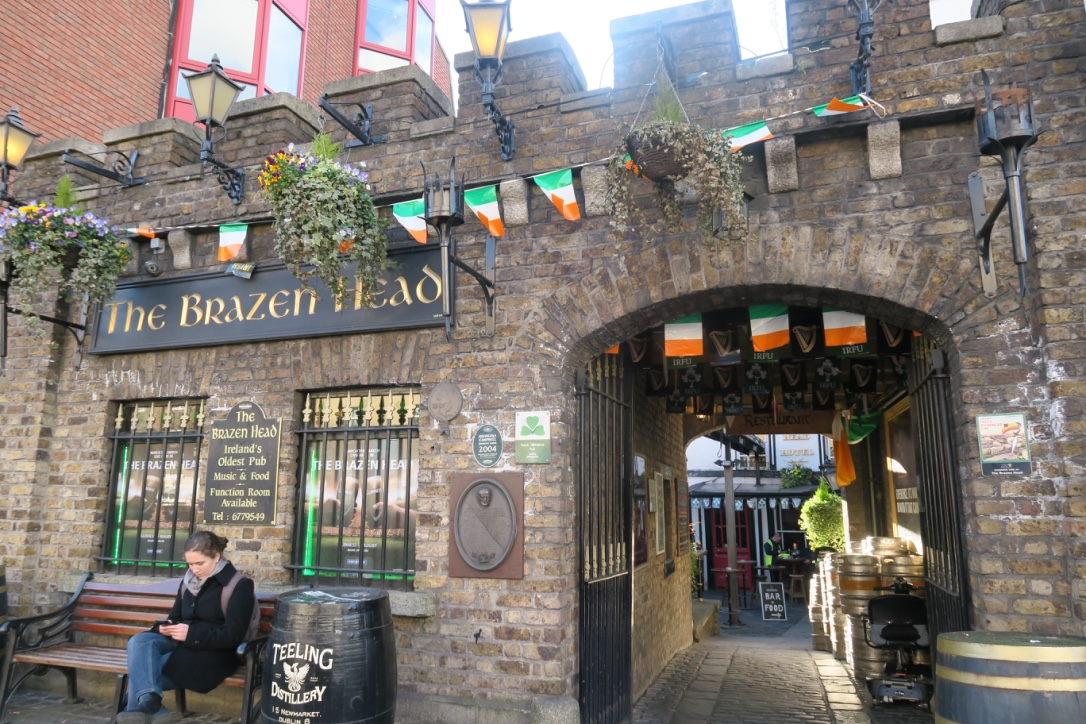 Brazen-Head-pub-irlanda-the-frilly-diaries-weekend-a-dublino