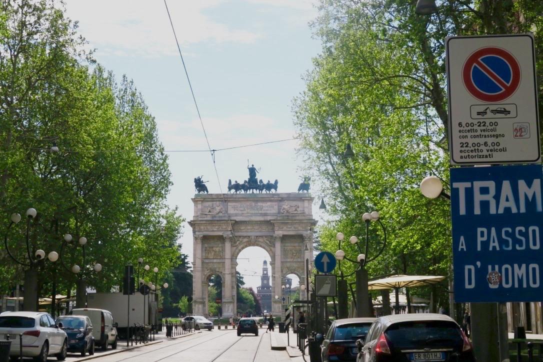 Arco-della-Pace-ricordi-milanesi-The-Frilly-Diaries