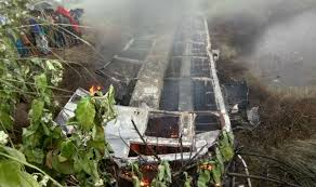 27 dead as bus catches fire in eastern India