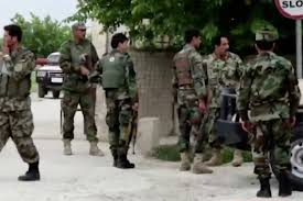Afghan forces free 100 prisoners from Taliban jail