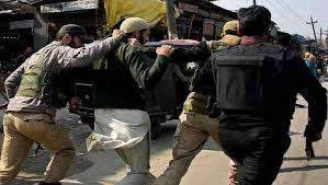 Indian police arrest 21 in Occupied Kashmir