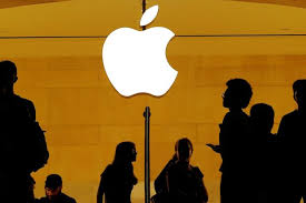 Apple, Goldman Sachs start issuing Apple Cards to consumers