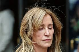 I am deeply ashamed Felicity Huffman weeps as judge hands down sentence in admissions scandal