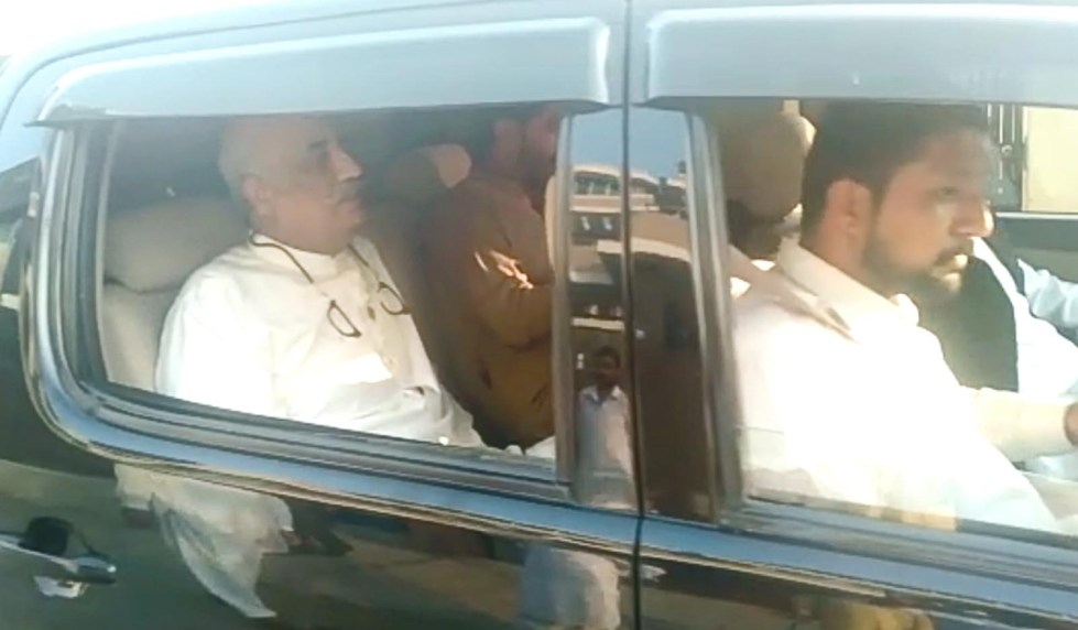 Islamabad: NAB officials on their way after arrest of senior PPP leader Syed Khurshid Shah. — NNI, September 18, 2019