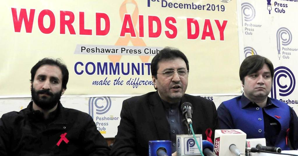PESHAWAR:  Dr Saleem Director Aids Program addressing a press conference at PPC. INP PHOTO by S A Saddiqi