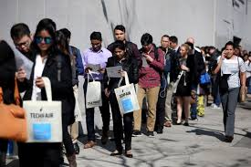 US weekly jobless claims fall