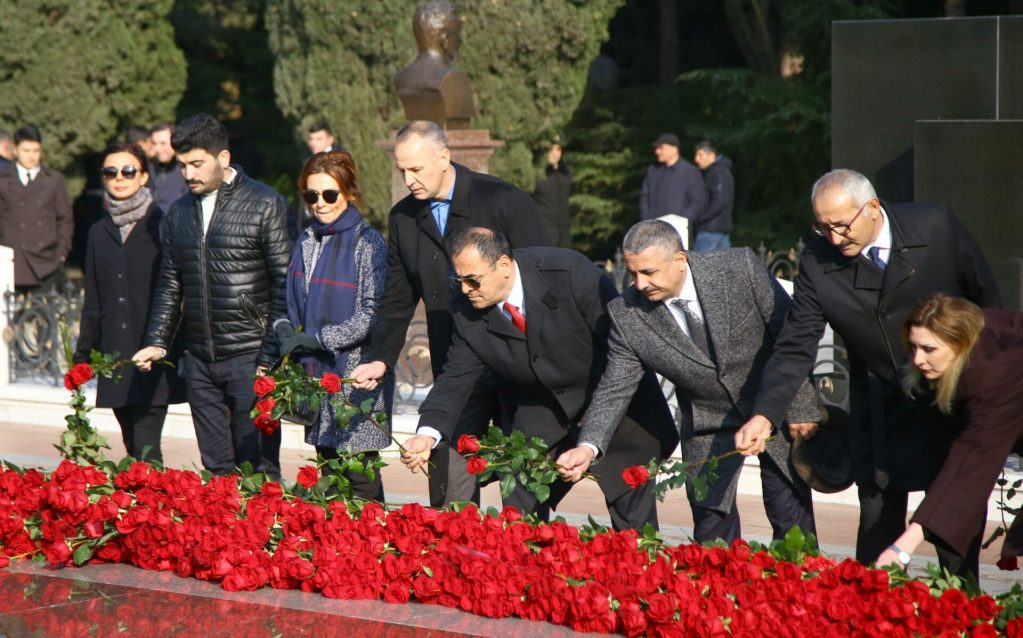 BAKU, AZERBAIJAN - DECEMBER 12: Ministers, high-ranking soldiers and senior bureaucrats visit the grave of Azerbaijan's former President Heydar Aliyev during his 16th death anniversary at the Alley of Honour, a public cemetery and memorial, in Baku, Azerbaijan on December 12, 2019.  ( Resul Rehimov - Anadolu Agency )