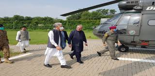 FM Qureshi, Defense minister Khattak visit LoC at Chirikot sector