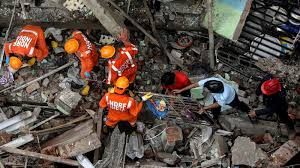 10 dead, 25 feared trapped in Mumbai building collapse