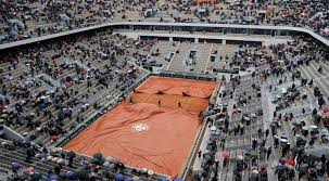 French Open fans cut to 1000