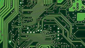IT expert issues warning on computer brain chips