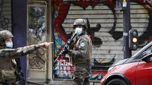 PARIS French soldiers patrol after four people have been wounded in a knife attack