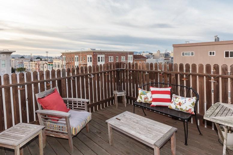 1487 Chestnut View Roof Deck