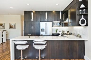 960 Harrison Designer Kitchen w/ bar seating