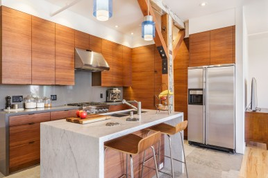 Box Factory Loft Modern Kitchen