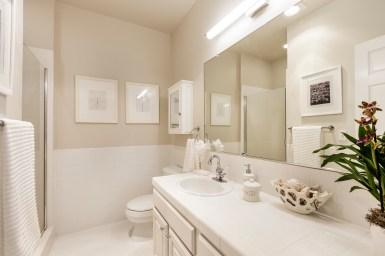 762 Great Highway 2nd Bathroom
