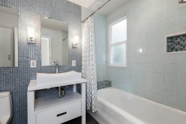 754 18th Ave Bathroom