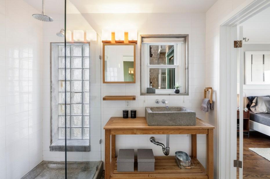 2456 Great Highway Designer Bathroom